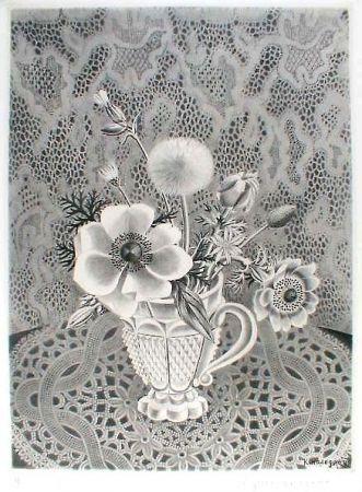 Офорт И Аквитанта Hasegawa - Anémonés et fleurs de champs dans un verre a facettes / Bouquet sur fond de dentelle