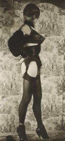 Фотографии Molinier - Autoportrait avec faux seins