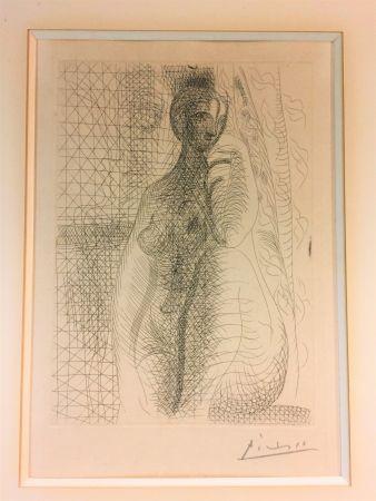 Офорт Picasso - Femme nue a la jambe plièe