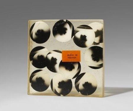 Многоэкземплярное Произведение Arman - Hommage a Duchamp. To and for RRose Selavy (fotografie)