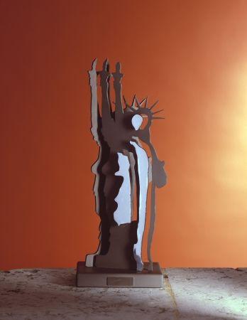 Многоэкземплярное Произведение Arman - Le phantome de la liberté