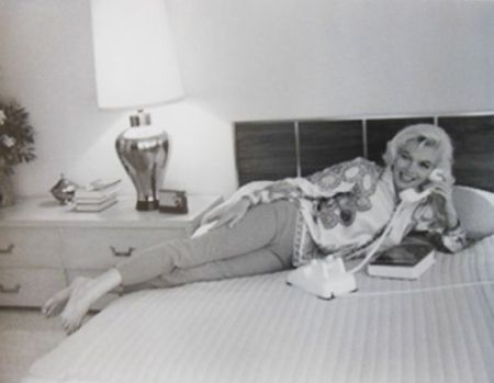 Фотографии De Dienes  - Marilyn Monroe. Au Lit (1962)