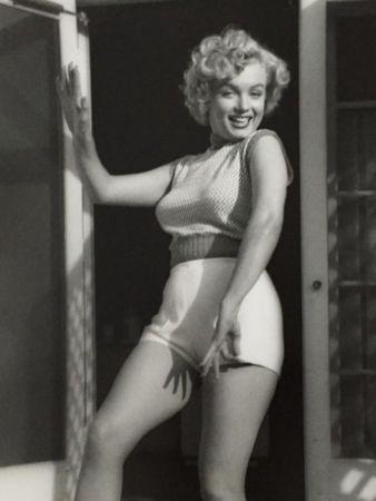 Фотографии De Dienes  - Marilyn Monroe. Bungalow