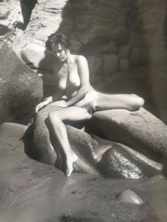 Фотографии De Dienes  - Nu au rocher