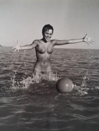 Фотографии De Dienes  - Nu avec ballon