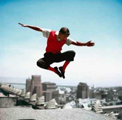 Фотографии Worth - Sammy Davis Jr in mid-air