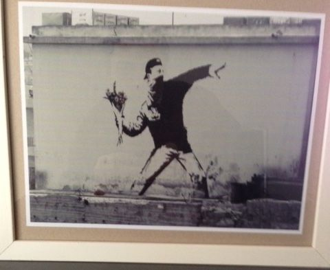 Фотографии Banksy - The flower thrower from Jerusalem