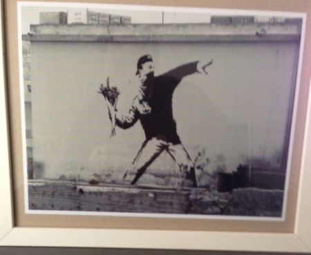 Фотографии Banksy - The flower thrower from Jerusalem