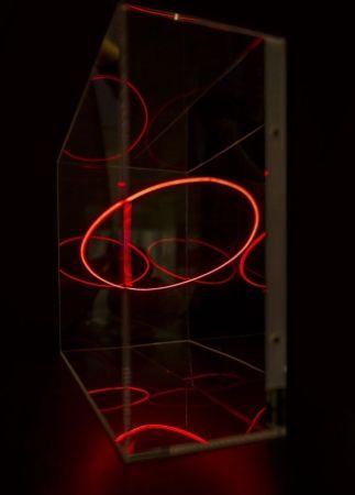Многоэкземплярное Произведение Ai - The Thin Line