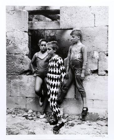 Фотографии Clergue - Trio de Saltimbanques, Arles